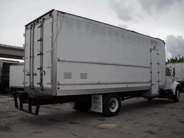 2001 international 4700 thermo king camion refrigerado