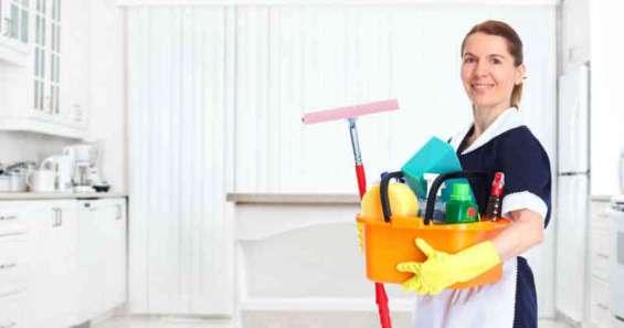 Se busca domestica para trabajar en el extranjero