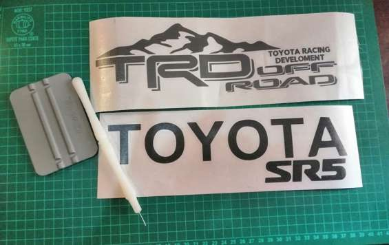 Hacemos stickers y calcomanias peronalizadas para tu moto y carro