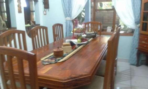 Mesa de comedor de 8 sillas